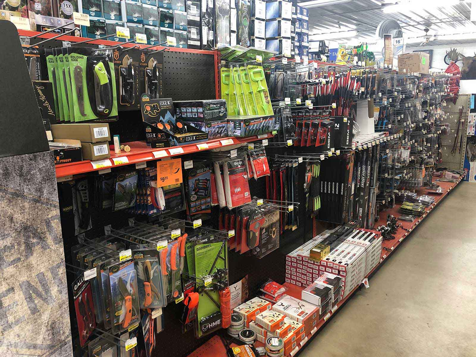 Knives & Archery Supplies